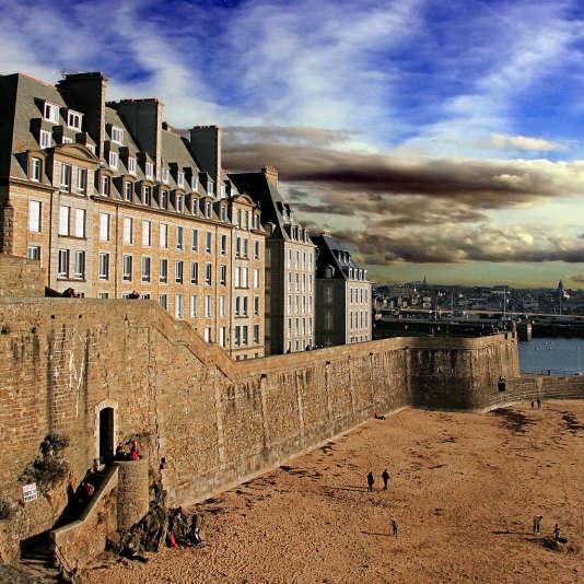 Le prix médian d'une maison à Saint-Malo est désormais de 247 000 euros, contre 301 000 euros en 2007.
