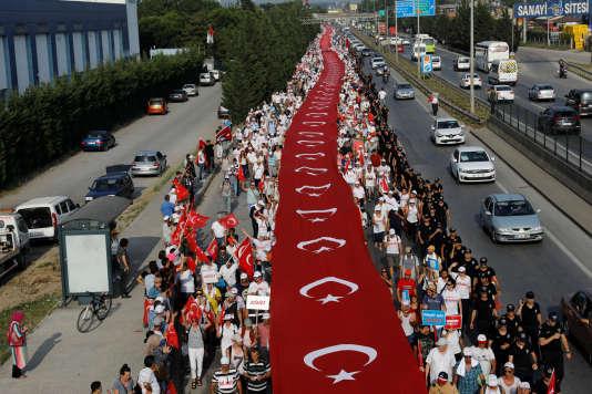 Durant la Marche pour la justice, près d'Izmit, le 3 juillet.