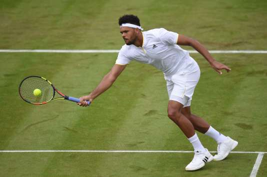 Jo-Wilfried Tsonga, le 3 juillet à Wimbledon.