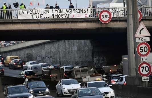 Manifestation contre la pollution, à Lyon, en 2016.