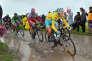 Vincenzo Nibali en 2014, sur les pavés de Paris-Roubaix que la cinquième étape du Tour avait empruntés. TIM DE WAELE / DPPI