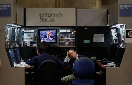 Fin de journée pour les employés de Goldman Sachs à la Bourse de New York (Etats-Unis), le 22 juillet 2010.