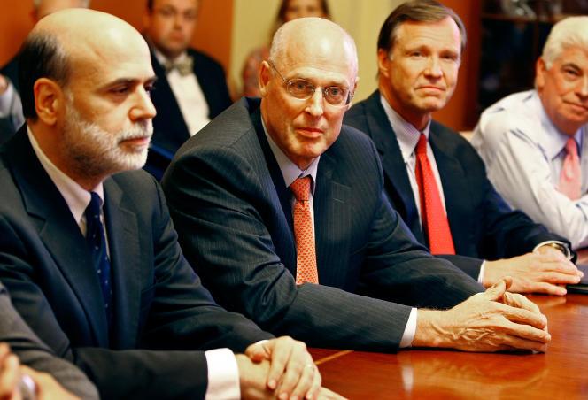 Ben Bernanke, président de la Réserve fédéral des Etats-Unis, Henry Paulson, le secrétaire au trésor, et Christopher Cox, président de la Comission des opérations boursières (SEC) au Capitol à Washington, le 18 septembre 2008.