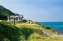 Vue du site sacré situé sur l'île de d'Okinoshima, candidate au patrimoine mondial de l'Unesco.