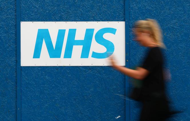 Le service de santé britannique (NHS) et DeepMind collaborent pour créer une application à destination des hôpitaux.