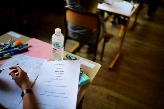 Epreuve de philosophie lors du bac 2017. / AFP / Martin BUREAU