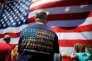 Un homme arbore un tee-shirt dulobby des armes, la National riffle association (NRA), à Manchester (New Hampshire, Etats-Unis), le 14 juin.