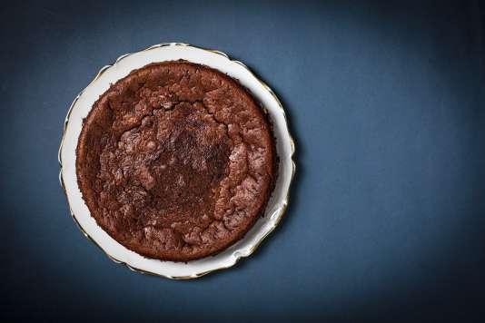 Oui, on peut obtenir un savoureux et moelleux gâteau au chocolat avec de la courgette en guise de beurre.