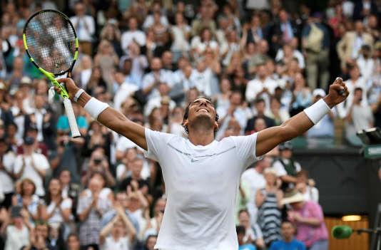 Rafael Nadal célèbre sa victoire.