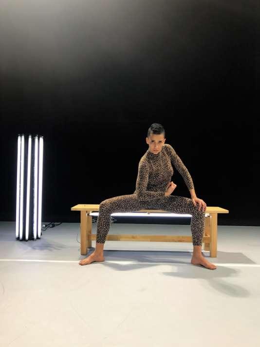Danseuse, Raphaëlle Delaunay a eu l'idée de son spectacle « Soma» en s'adonnant à la pratique du sport en salle.