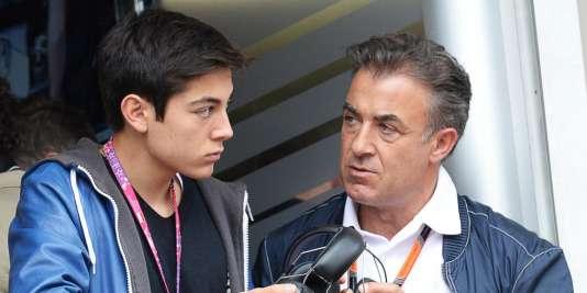 Mars 2016 : Giuliano Alesi, 16ans, intègre la Ferrari Drivers Academy. Ici avec son père Jean, ex-pilote de F1 de la Scuderia.