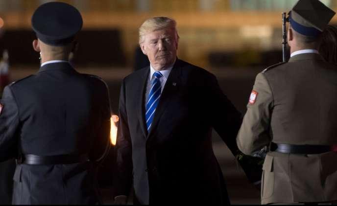 «Maintenant que Trump a bien fait comprendre que « L'Amérique d'abord » signifiait en réalité « Seulement l'Amérique », l'Europe ne peut plus compter sur Washington »(Photo: Donald Trump à Varsovie en Pologne le 5 juillet, avant sa participation à son premier G20).