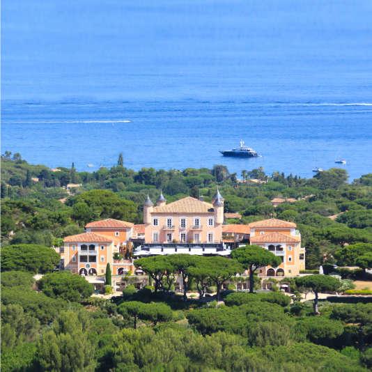A Saint-Tropez, le château de la Messardière est au cœur d'une pinède de 10 hectares.