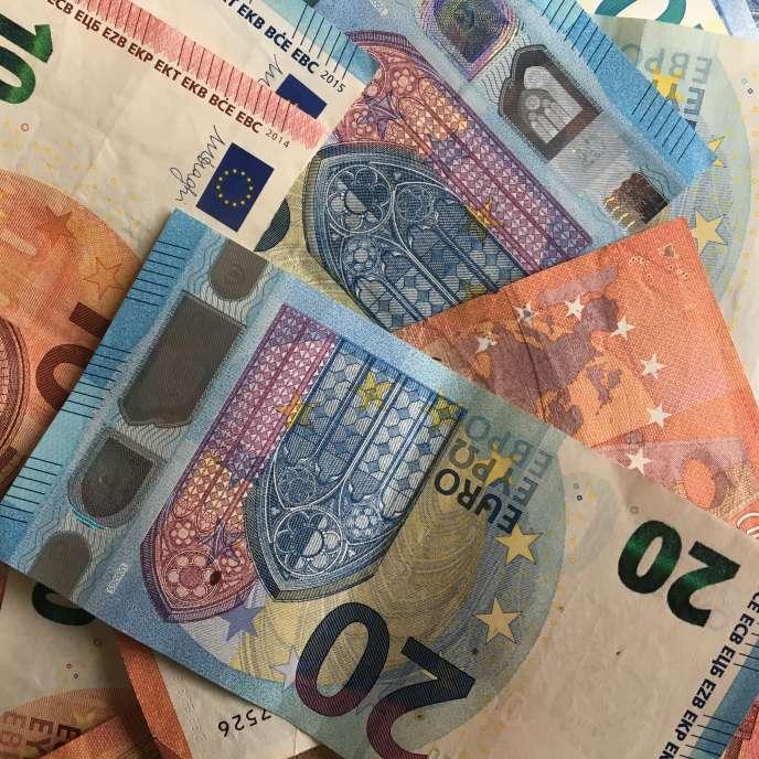« En 2014, en France, dans le secteur privé, le salaire net moyen en équivalent temps-plein (EQTP) s'élève à 2 230 euros par mois.»