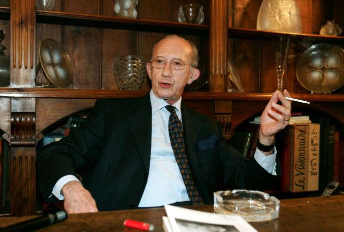 En octobre 2004.A 27ans, il s'était imposé par sa détermination et son sens de l'organisation à l'état-major secret de l'OAS.