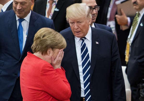La chancelière allemande, Angela Merkel, et le président américain, Donald Trump, au sommet du G20, le 7 juillet 2017, à Hambourg (Allemagne).