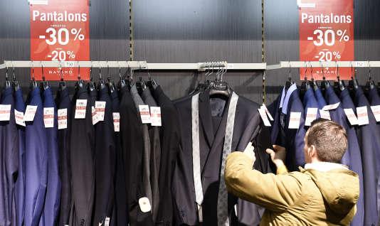 Un magasin de vêtements à Talange (Moselle), le 2 janvier.
