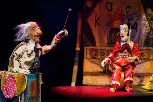 «Des marionettes sur les rails» qui racontent l'enfance de Rezo Gabriadze.