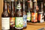 Sélection de bières India Pale Ale dans la boutique Bières cultes dans le Ve arrondissement de Paris.