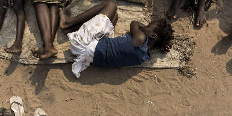 Dans un camp de réfugiés congolais qui ont fui le conflit entre rebelles et militaires dans le Kasaï, au centre de la RDC, en juin 2017.