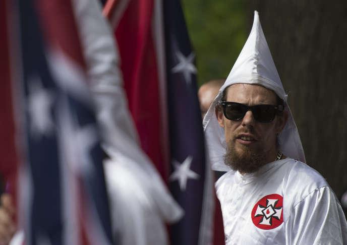 Manifestation avortée du Ku Klux Klan en Virginie, le 8 juillet.