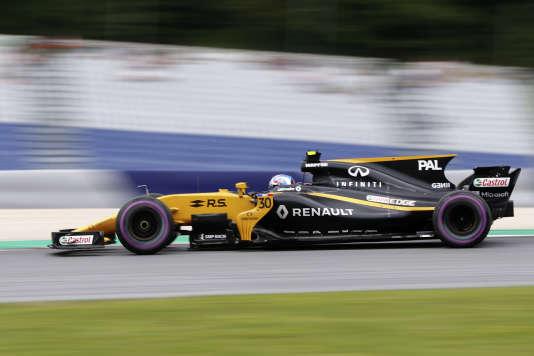 Le pilote Jolyon Palmer sait que c'est lors des qualifications qu'il doit progresser entre Spielberg (photo le 8 juillet) et Silverstone, le 15juillet.