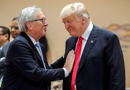 Le président de la Commission européenne, Jean-Claude Juncker, et le président américain Donald Trump, le 8juillet à Hambourg.