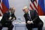 Le président russe Vladimir Poutine et son homologue américain Donald Trump lors du sommet du G20, à Hambourg (Allemagne), le 7 juillet.