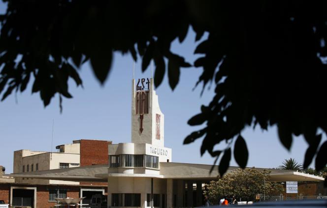 La station-service«Fiat Tagliero», en forme d'avion, est un des bâtiment emblématique d'Asmara.