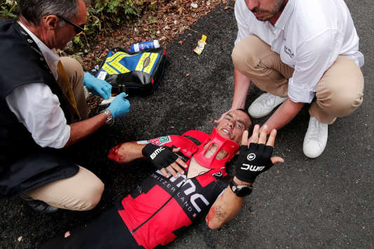 Richie Porte après sa chute lors de la 9e étape du Tour de France, le 9 juillet. REUTERS/Benoit Tessier
