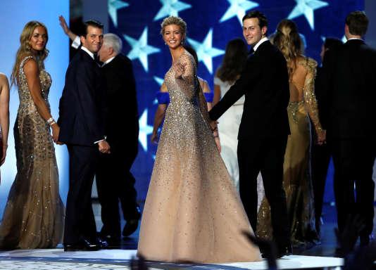 Ivanka Trump et Jared Kushner accompagnés de Donald Trump Jr. et de sa femme Vanessa lors d'un bal donné pour l'investiture de Donald Trump, le 20 janvier 2017.
