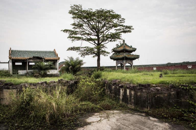 Dans les ruines du palais de Mobutu Sese Seko, à Nsele.