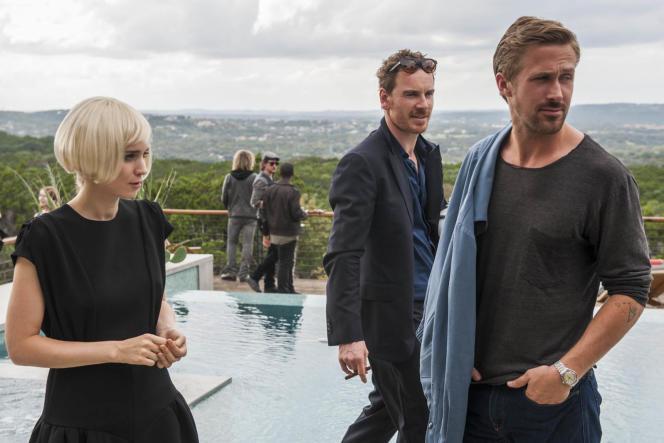 De gauche à droite, Rooney Mara, Michael Fassbender et Ryan Gosling dans le film« Song to song», de Terrence Malick.