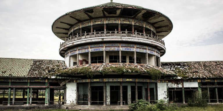 Le palais déliquescent de Mobutu Sese Seko, à Nsele, à une quarantaine de kilomètres de Kinshasa, la capitale congolaise.