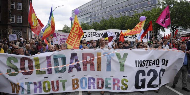 A Hambourg, le 8 juillet 2017, durant le sommet du G20, manifestation de la société civile pour un monde solidaire et sans frontières.