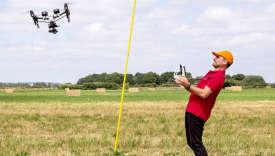 Marc Guillot-Debord, pilote de drone, à Brétigny-sur-Orge (Essonne), en juin.