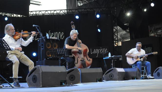 De gauche à droite, Jean-Luc Ponty, KyleEaswood etBiréli Lagrène à Vienne