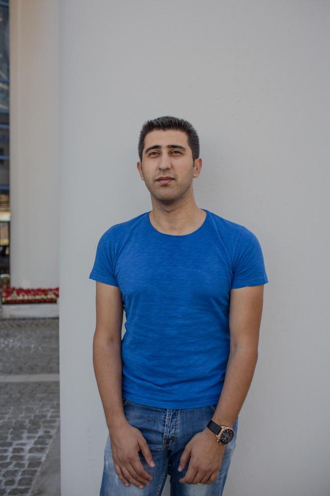 Oguz Yildirim, 29 ans, agent de police pro-Erdogan, était en service, à Ankara, dans la nuit du 15 au 16 juillet 2016, lors du coup d'Etat.