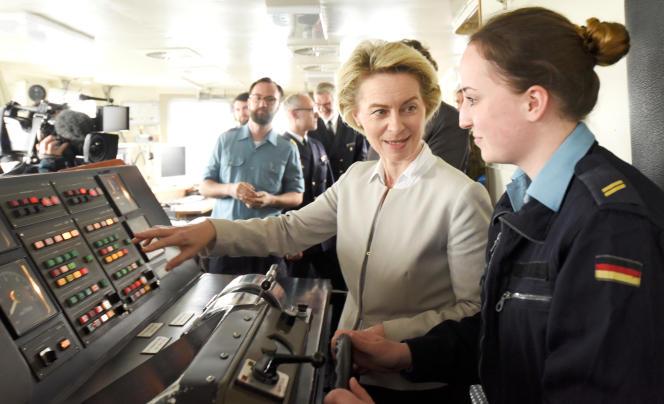 La ministre allemande de la défense, Ursula von der Leyen, le 21 avril à Kiel.