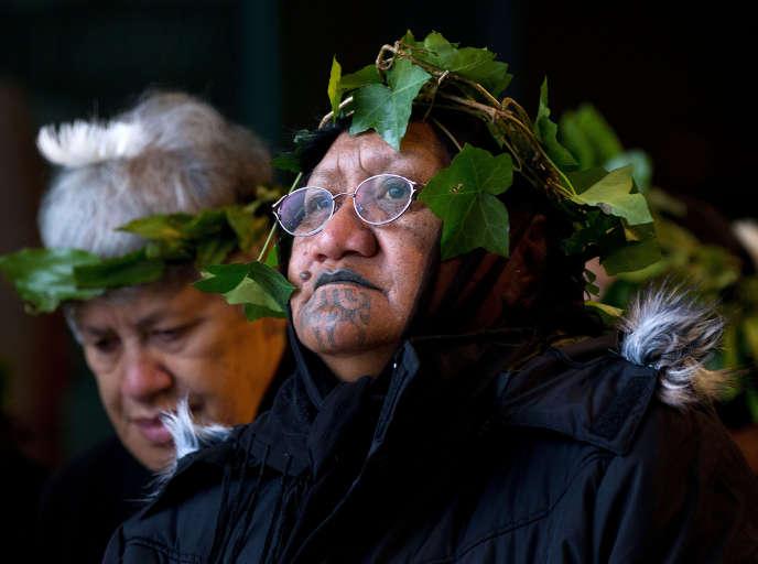 Des membres de la tribu maori deTainui Waka. AFP PHOTO / MARTY MELVILLE / AFP PHOTO / Marty Melville