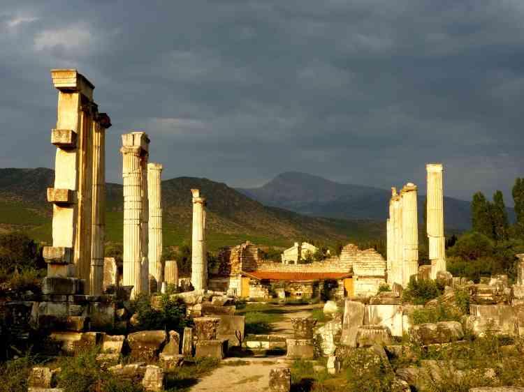 Temple d'Aphrodite à Aphrodisias en Turquie.La cité d'Aphrodisias a été construite au IIe siècle avant notre ère, à la faveur de l'expansion de la culture hellénistique dans le sud-est de l'Anatolie.