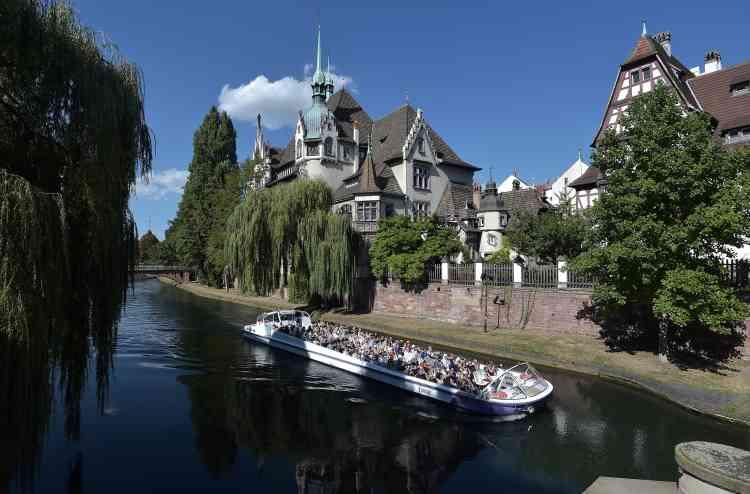 Le quartier « Neustadt» à Strasbourg, le 8 septembre 2016. La Grande Ile de Strasbourg est inscrite sur la liste du patrimoine mondial de l'humanité depuis 1988 ; la zone a été étendue au quartier d'influence allemande« Neustadt».