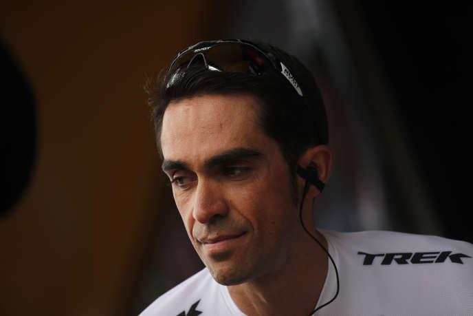 Alberto Contador lors du Tour de France 2017, le 12 juillet à Eymet, en Dordogne.