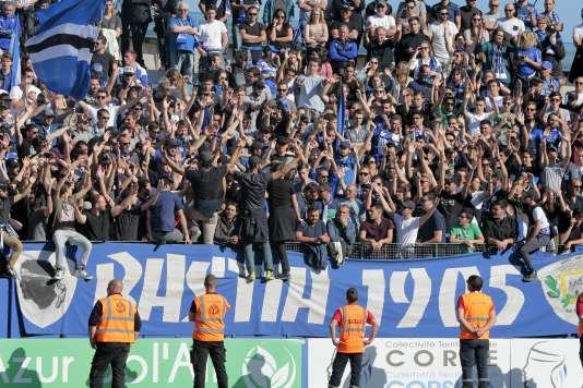 Le SC Bastia a été rétrogradé de Ligue 2 en National 1 par le gendarme financier du football français.