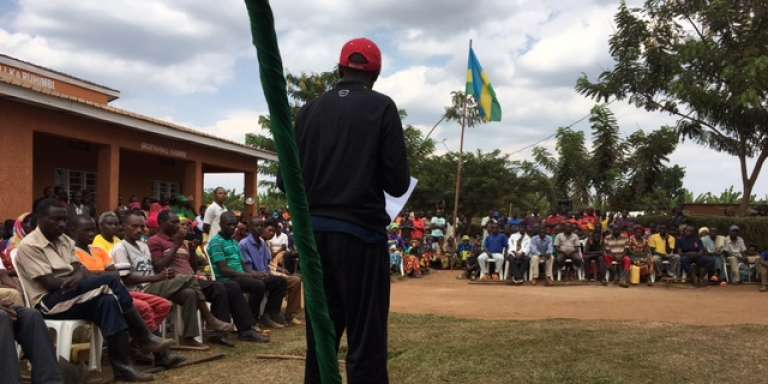 A Rwamagana, au Rwanda, lors d'une réunion publique, en juin 2017.