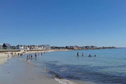 « Ala Trinité-sur-Mer, Carnac ou Quiberon, les prix médians des maisons sont respectivement de 408 000 euros, 367 000 euros et 325 000 euros» (Photo: plage de Quiberon).