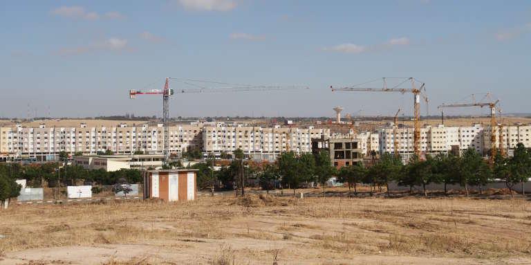Les constructions se poursuivent à Tamesna, même si la ville nouvelle est déserte.