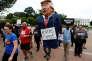 « La marionnette de Poutine», sur la pancarte d'un manifestant, devant la Maison Blanche, le 11 juillet.