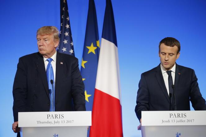 Donald Trump et Emmanuel Macron lors de leur conférence de presse conjointe aujourd'hui à Paris.