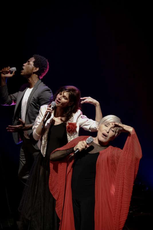 Nelson-Rafaell Madel, Anita Robillard etNicole Croisille dans « Night in White Satie».